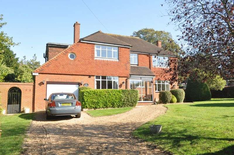 5 Bedrooms Detached House for sale in Ralliwood Road, Ashtead