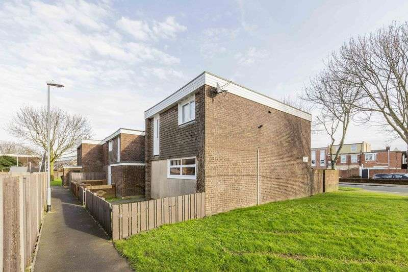 4 Bedrooms Terraced House for sale in Seymour Close, Portsmouth