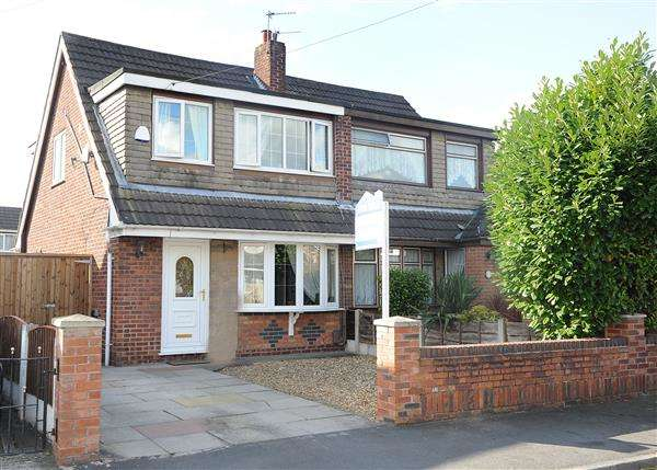 3 Bedrooms Semi Detached House for sale in 5 Farnham Drive, Irlam M44 6DG