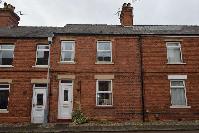 3 Bedrooms Terraced House for sale in Grosvenor Road, Balderton, Newark