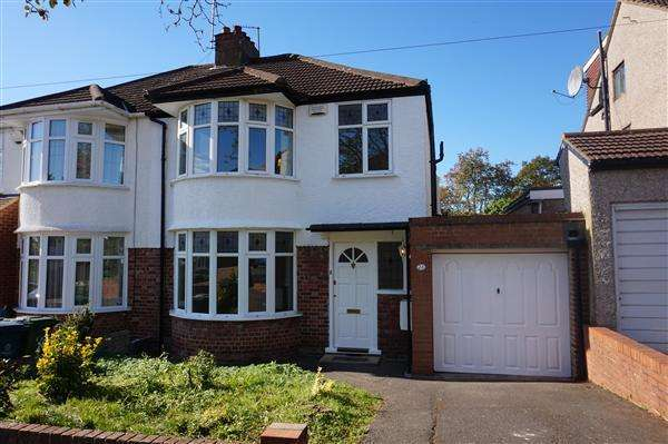 3 Bedrooms Semi Detached House for sale in Drummond Drive, Stanmore