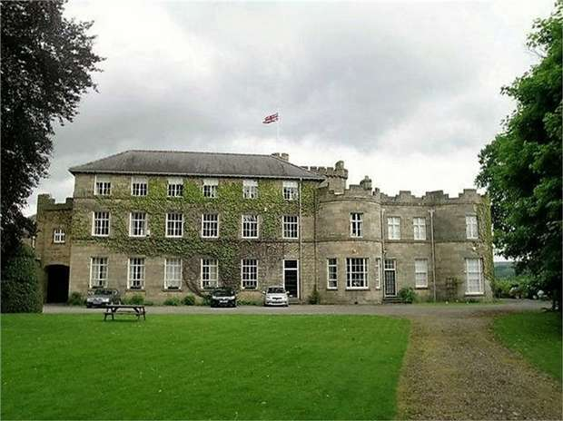 3 Bedrooms Flat for sale in The Castle, Stanhope, Bishop Auckland, Durham