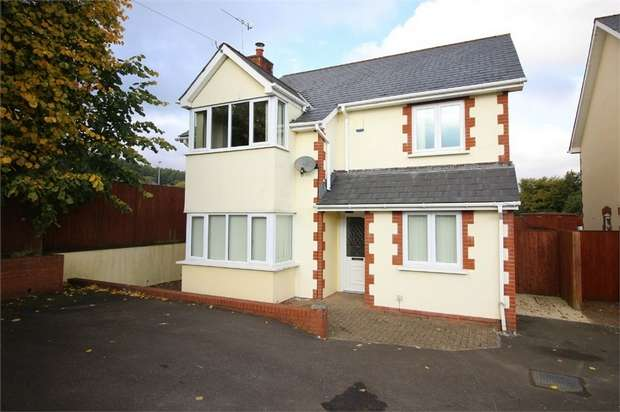 4 Bedrooms Detached House for sale in Conway Road, PONTYPOOL