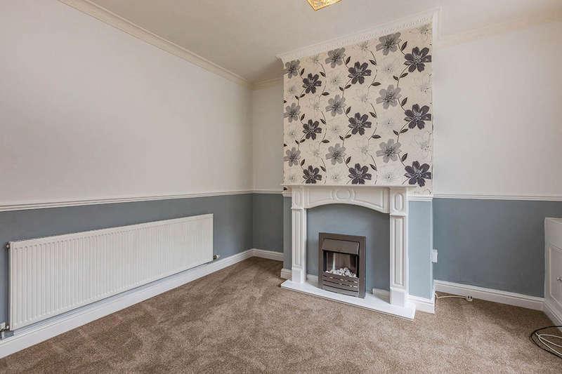 2 Bedrooms Property for sale in Edmund Street, Darwen, BB3