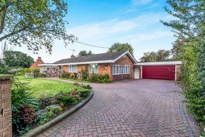 4 Bedrooms Bungalow for sale in White Cross, Haughton, Stafford, Staffordshire