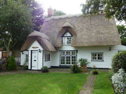 2 Bedrooms Detached House for sale in Wix, Manningtree, Essex