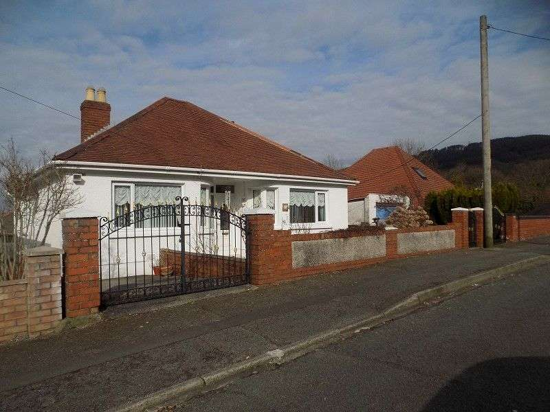 3 Bedrooms Detached Bungalow for sale in Smallwood Road, Baglan, Port Talbot, Neath Port Talbot. SA12 8AR