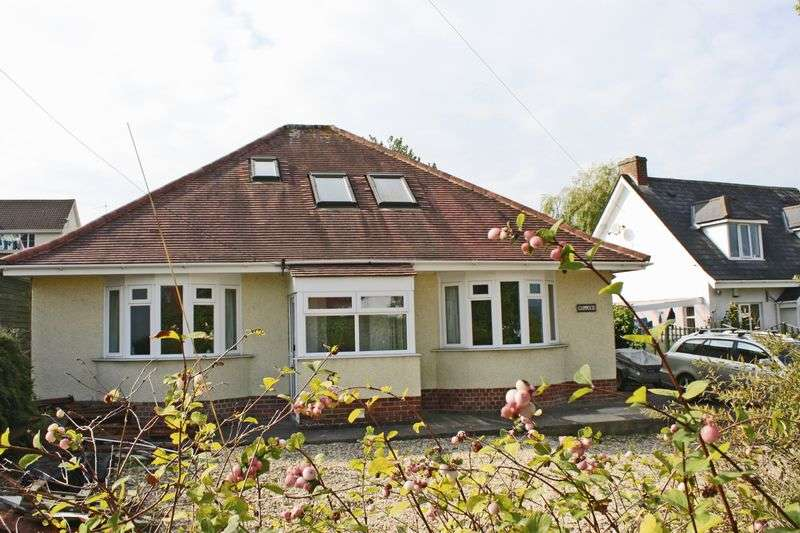 4 Bedrooms Detached Bungalow for sale in Kings Road, Honiton