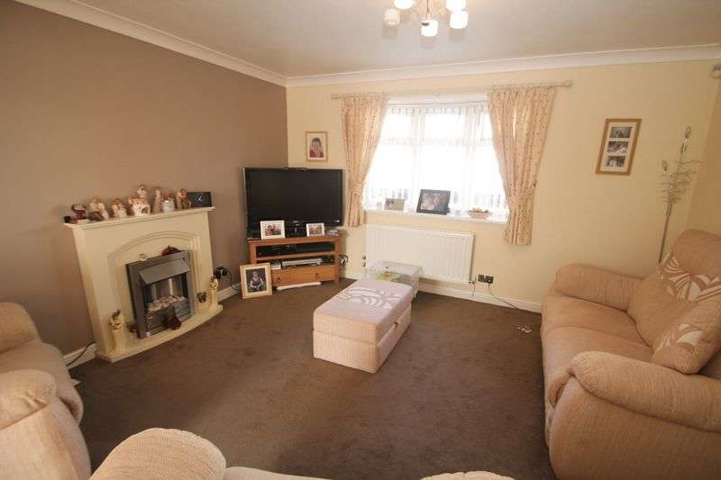 3 Bedrooms Terraced House for sale in Ainsworth Way, Ormesby