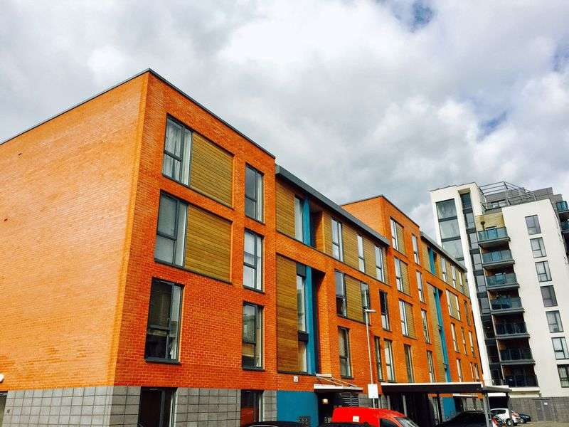 2 Bedrooms Flat for sale in 2 Bedrooms, Biggs Court, Colindale, London
