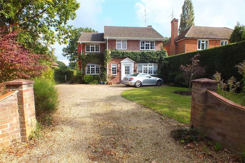 4 Bedrooms Detached House for sale in Crondall Road, Crookham Village, Fleet, GU51