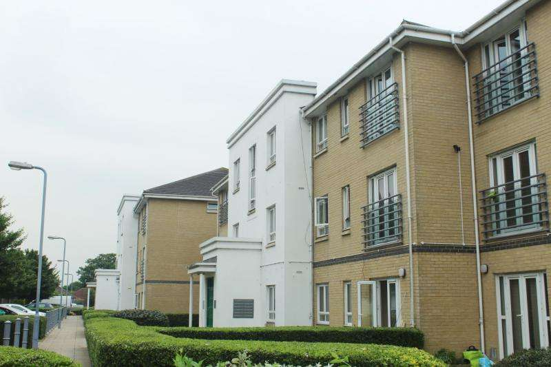 2 Bedrooms Apartment Flat for sale in Sovereign Heights