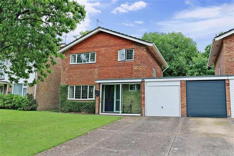 3 Bedrooms Detached House for sale in Wealden Way, Haywards Heath, West Sussex