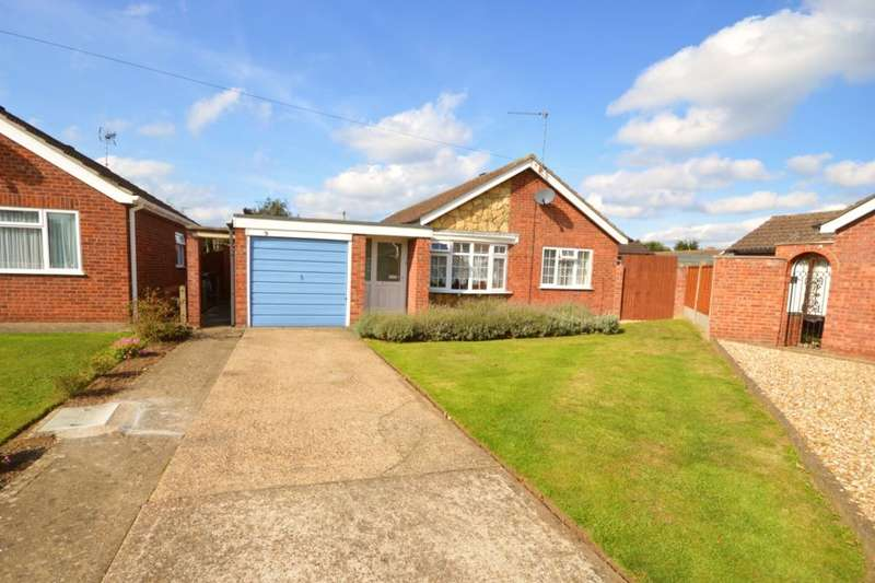 4 Bedrooms Detached Bungalow for sale in Pateley Moor Close, North Hykeham, Lincoln, LN6