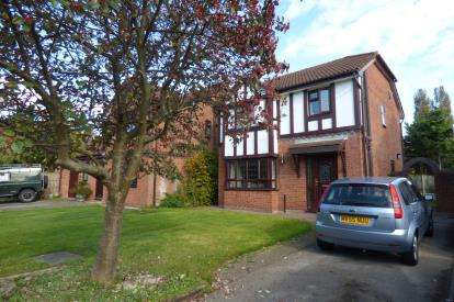 3 Bedrooms Detached House for sale in Norbreck Close, Great Sankey, Warrington, Cheshire, WA5