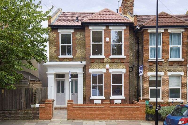 3 Bedrooms Flat for sale in Geldeston Road, London