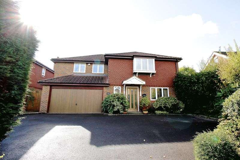 6 Bedrooms Detached House for sale in Upper Hale Road, Farnham
