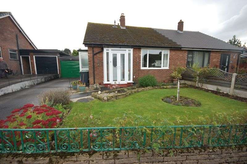 2 Bedrooms Semi Detached Bungalow for sale in Barleycroft, Hadfield