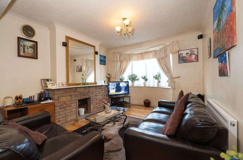 3 Bedrooms Terraced House for sale in De Frene Road, London