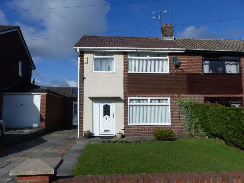 3 Bedrooms Semi Detached House for sale in Penryn Avenue, Heyside, Royton