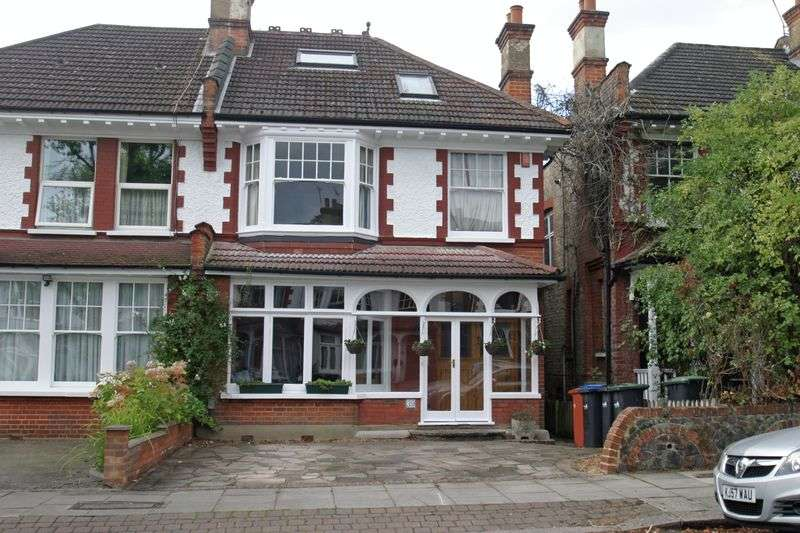 5 Bedrooms House for sale in WINCHMORE HILL