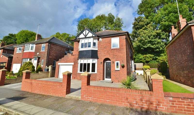 3 Bedrooms Detached House for sale in Moorville Road, Salford