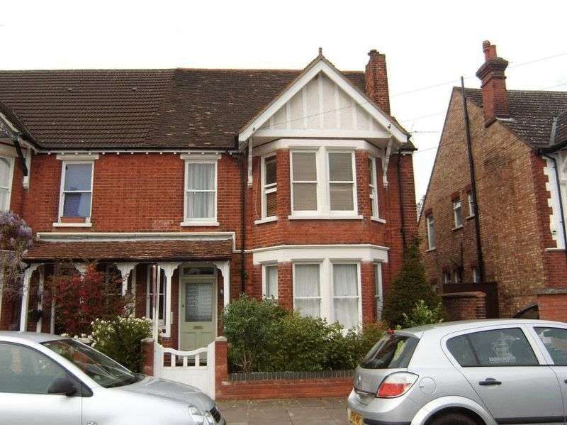 1 Bedroom Flat for sale in Beverley Crescent, Bedford