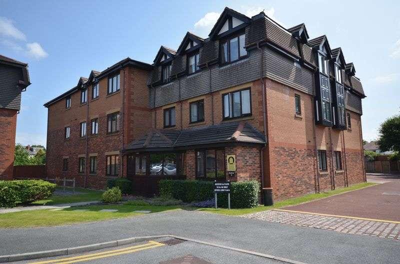2 Bedrooms Flat for sale in 32 Windsor Court, Poulton-Le-Fylde Lancs FY6 7EE
