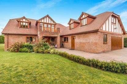 6 Bedrooms Detached House for sale in Parklands, Darras Hall, Ponteland, Northumberland, NE20