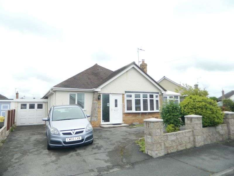 3 Bedrooms Detached Bungalow for sale in Ffordd Ffynnon, Rhuddlan