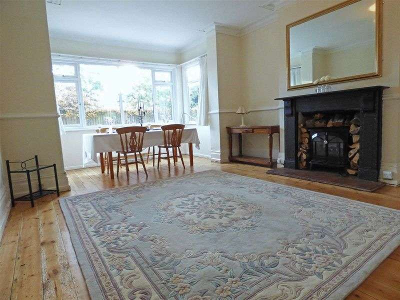 6 Bedrooms Semi Detached House for sale in Ivy Cross, Shaftesbury