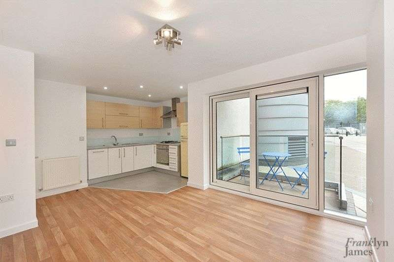 1 Bedroom Flat for sale in Tequila Wharf, Limehouse, E14