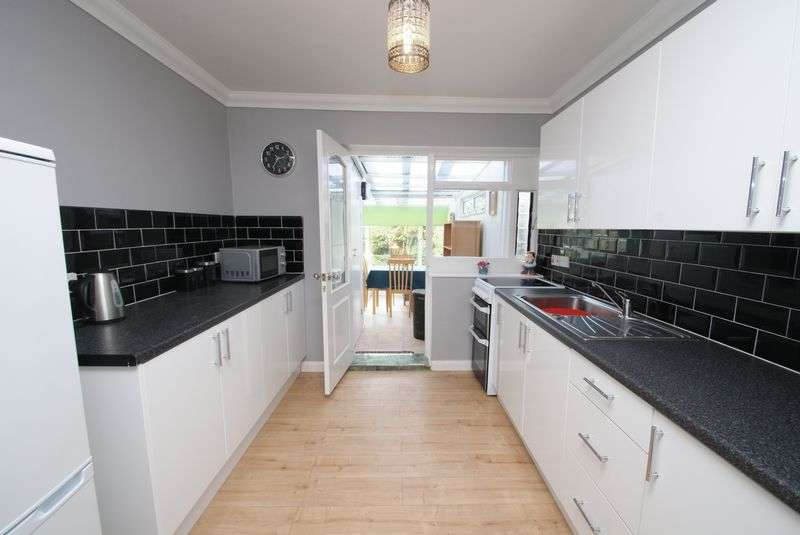 2 Bedrooms Semi Detached Bungalow for sale in Thinford Gardens, Middlesbrough