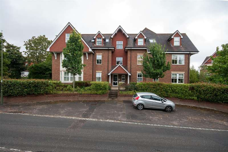 2 Bedrooms Apartment Flat for sale in Rosehill, Wray Common Road, RH2