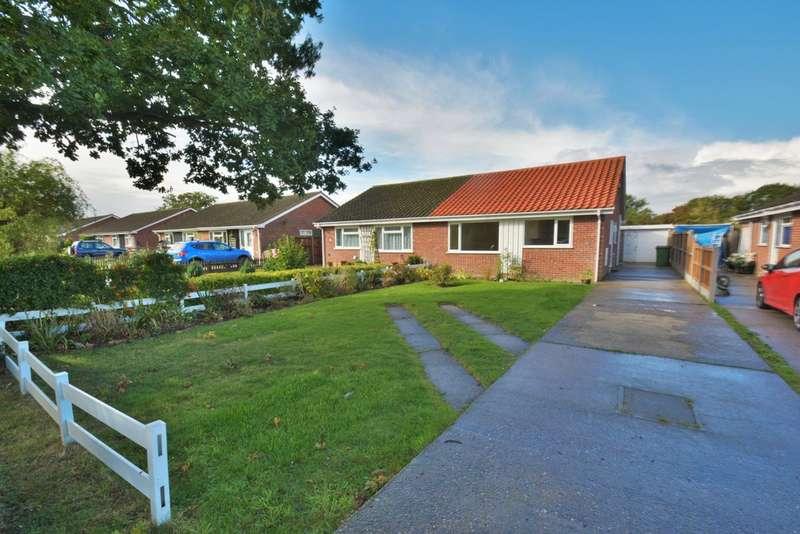 2 Bedrooms Semi Detached Bungalow for sale in Chapelfield, Denton, Harleston