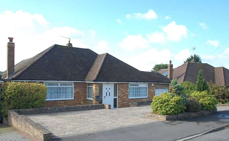 3 Bedrooms Detached Bungalow for sale in Wheatley Way, Chalfont St Peter, SL9