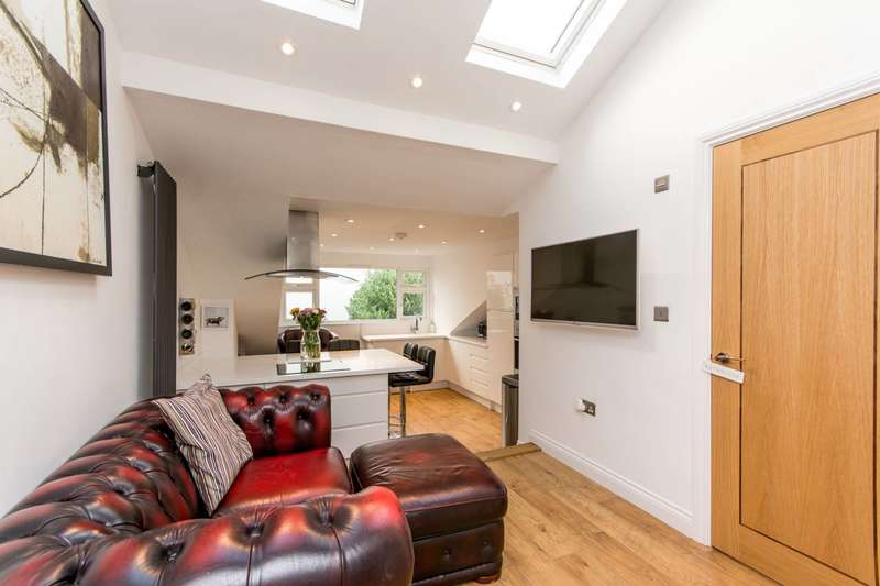 2 Bedrooms Flat for sale in Parkfield Road, Willesden Green, NW10