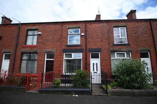 2 Bedrooms Terraced House for sale in Brighton Street, Bury, Lancashire, BL9 6DB