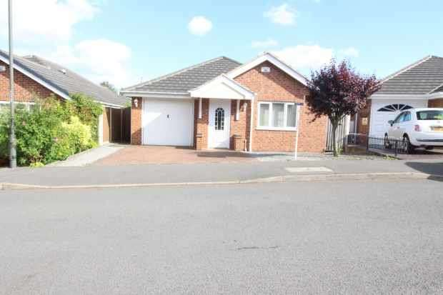 3 Bedrooms Detached Bungalow for sale in St Davids Close, Ironville, Derbyshire, NG16 5RW