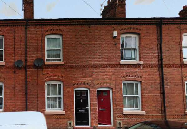 2 Bedrooms Terraced House for sale in Peake Street, Newcastle, Staffordshire, ST5 6DP