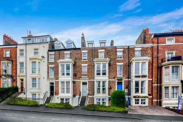 1 Bedroom Apartment Flat for sale in Abbey Terrace, Whitby, North Yorkshire, YO21 3HQ