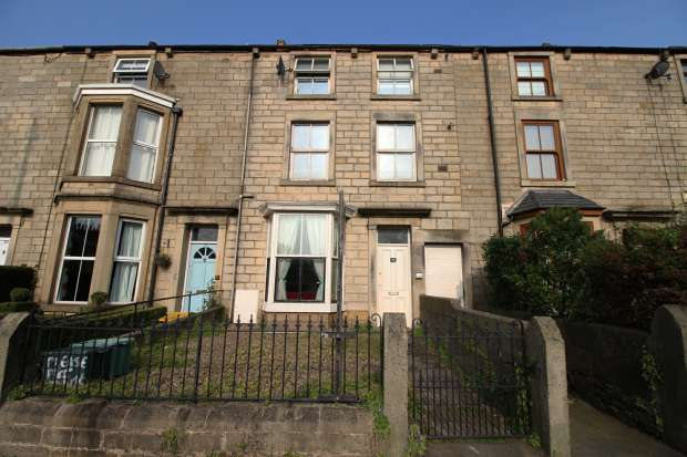 1 Bedroom Flat for sale in South Road, Lancaster, Lancashire, LA1 4XJ
