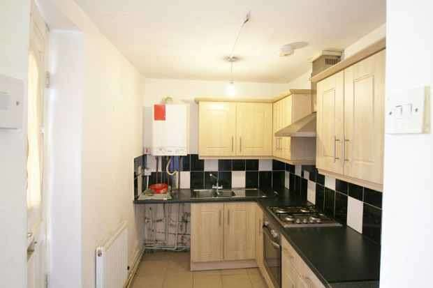 1 Bedroom Apartment Flat for sale in 7-9 Colne Road, Barnoldswick, Lancashire, BB18 6XB
