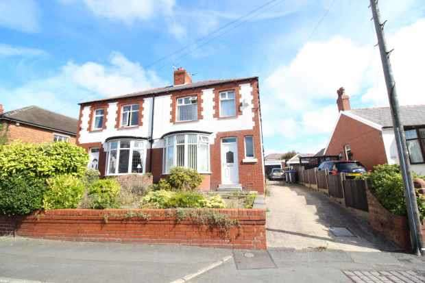 3 Bedrooms Semi Detached House for sale in Preston Old Road, Blackpool, Lancashire, FY3 9QY