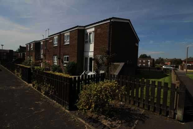 1 Bedroom Flat for sale in Arcon Road, Chorley, Lancashire, PR7 5TU