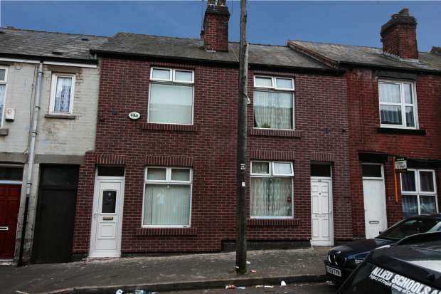 2 Bedrooms Terraced House for sale in Lloyd Street, Sheffield, South Yorkshire, S4 8JD