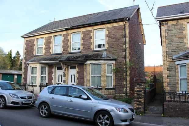 3 Bedrooms Semi Detached House for sale in Park Place, Newport, NP11 6BN