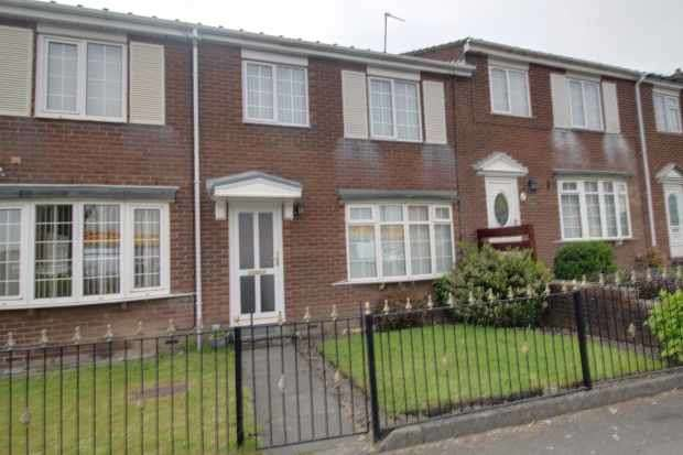 3 Bedrooms Terraced House for sale in Barrington Court, Bedlington, Northumberland, NE22 5DH