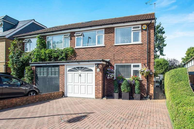 3 Bedrooms Semi Detached House for sale in Shacklegate Lane, Teddington, TW11