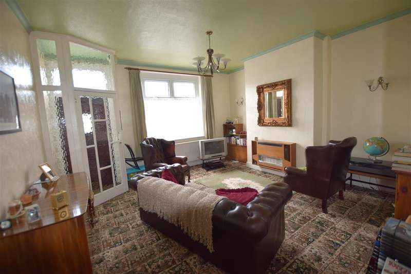 2 Bedrooms House for sale in Bury Old Road, Heywood
